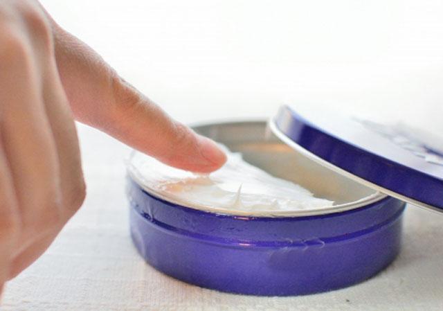 口周りの乾燥にハンドクリームは使えるか