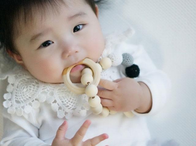 赤ちゃんの歯固め