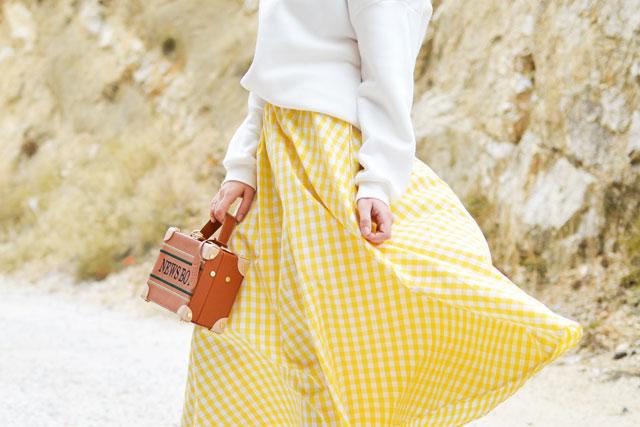 スカートの静電気対策